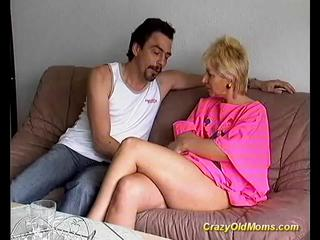 Porno Video of Sexy Blonde  Mommy   Jams  Needy Rod In Mouth And Beaver