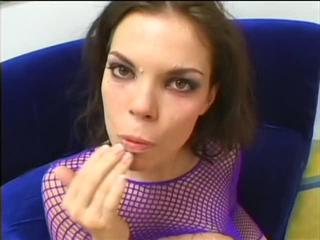 Sex Tubes of Gorgeous Babe Screwed By 2 Schlongs