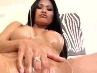 Sex Movie of Asian Babe Gets Oiled & Pumped!